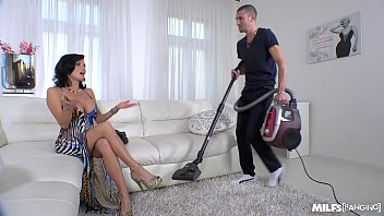 Milf squirt bang - Milf veronica avluv crazy intense fuck with power squirting