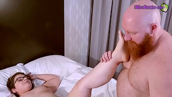 Thor Johnson XXX HAMMERS Lil Kiwwi with his HUGE cock!!  Clip 1