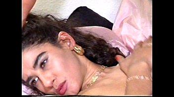 Gina Barreli Full Movie 1995 vintage porn german with Tiziana Redford Vorschaubild