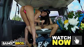 BANGBROS - MILF Rachel Starr Picks Up A Florist On The Streets Of Miami porno izle