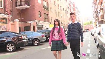 Jordi and john fuck both an unexperienced teen girl