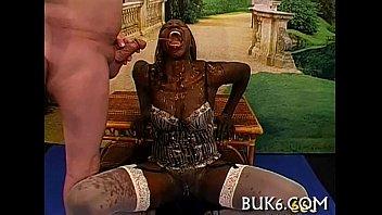 Ivory stud sucked by ebony masseuse