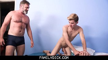 FamilyDick - Hot Daddy Threesome