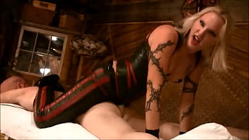 Femdom ass worship strapon - Mistress koral rappping her slaves ass - harddom.net