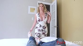 BLONDE HORNY MOM WONT LET GO OF MY DICK thumbnail