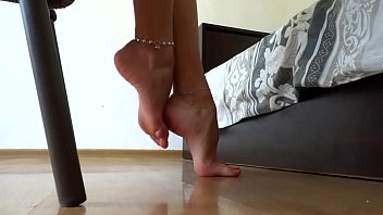 Lick ankle leg Cams4free.net - do you like my sexy feet arches