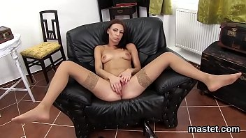 Foxy czech girl stretches her spread cunt to the unusual Thumb