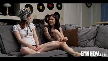 emo lesbians 105