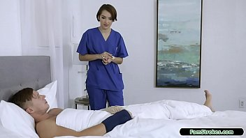 19yo nurse stepsis gives stepbro a hand thumbnail