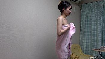 Yua Takanashi showering on cam