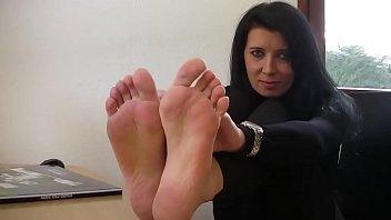 High heels and bare feet at Aga's office Vorschaubild
