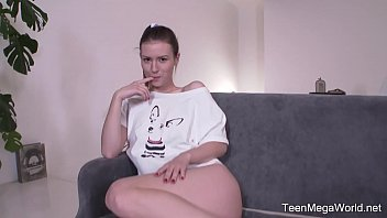 Smile empty soul bottom - Beauty-angels.com - sofy torn - sex-hungry student stretches all her eager holes