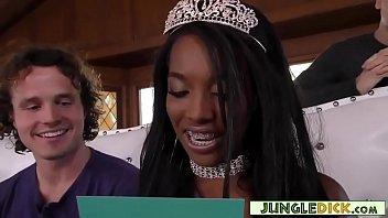 White Boys Gangbang Black Beauty Queen On Her Birthday (Daya Knight) Vorschaubild