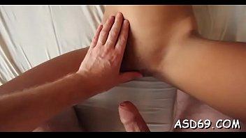 Asian Cutie Blows Shlong Nicely