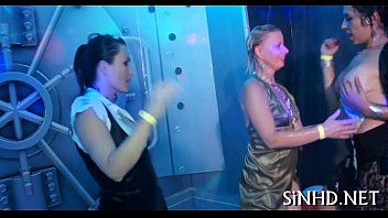 Dirty dancing with lusty honeys Vorschaubild