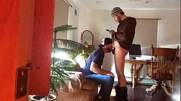 "Str8 guy sucked off - thegay.webcam <span class=""duration"">12 min</span>"