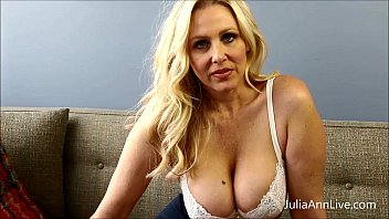 Ann first sex teacher - Bad teacher milf julia ann shows you how to get extra credit