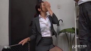 熟女セールスレディの卑猥なアダルトグッズ販売方法 - 北条麻妃 1