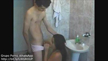 Fudendo a prima safada no banheiro - video completo: bit.ly/LSTAM27