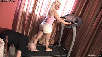 Workout foot worhsip