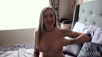 Elouise Please Finger Fuck and Pussy Play Fun