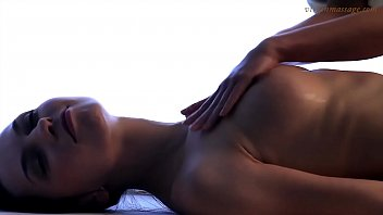 Brunette babe Vika gets her first time massage