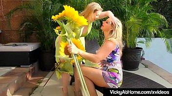 Busty Blonde Bombshell Vicky Vette & Sunny Lane Fuck At Pool