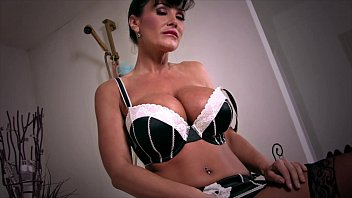 Mature tube g Retired milf lisa ann orgasms in bathtub