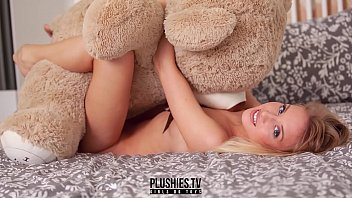 Beautiful nude model photo - Erotic nude teen top model monika tempe photo shoot for plushies tv