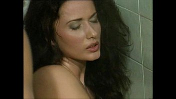 Erika Bella - School Sex - foto di milf nude