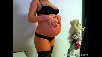 cam camgirl Pregnant babe toys herself on webcam