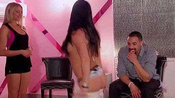 Pussy licking and more oral sex fun between swapped swinger couples.