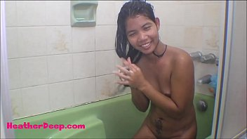 HD Heather deep dildo anal squrit in bathtub