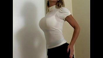 Busty Beauty Carissa Montgomery in Sexy Push Up Bra