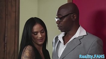 Inked milf pounded by bbc in frony of hubby
