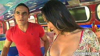 Sexy Latina Amateur on Bus porno izle