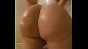 Oiled up bubble butt PAWG