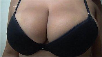 boobs wobble part 1