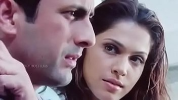 Bollywood actress sex picture - Bollywood actress isha koppikar sex scene....