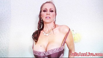 Fun masturbation techniques for the shower Julia ann gets soaking wet
