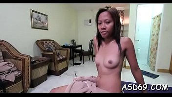 Slim oriental beauty likes to show her lean body on cam