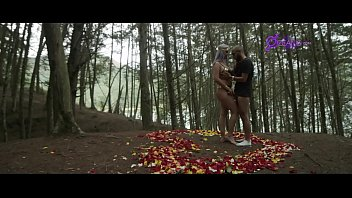 Fantacia en el Bosque  Mujer Maravilla (soldier huge cock y Ashley Grey X )