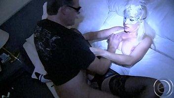 Erotic role playing - Auch eine maske läßt keinen zweifel darüber, wer sich dahinter verbirgt - hallo marina montana