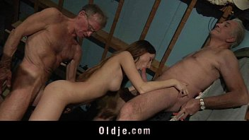 Older men anal fucking young blonde girl until squirting