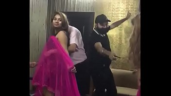 Desi mujra dance at rich man party video