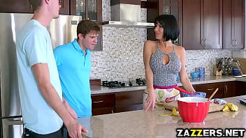 Buddy Hollywood bangs Veronica Avluv with his big cock