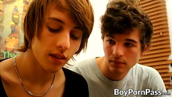 Young gays make out and have blowjobs before anal railing