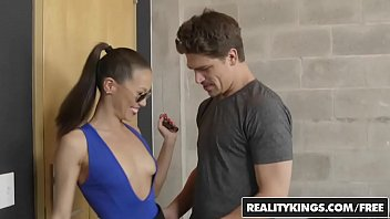 Ocean city and bikini - Realitykings - milf hunter - bruce venture kalina ryu - ryu time