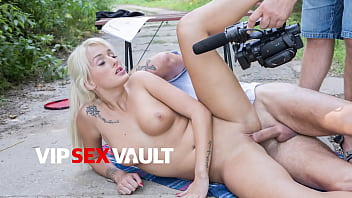 EXPOSED CASTING - (Daisy & David) Czech Teen Fucks On Auditions Outdoor