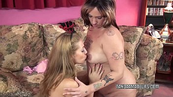 Plump MILF Lexxi Meyers goes down on lesbian coed Lina Vorschaubild